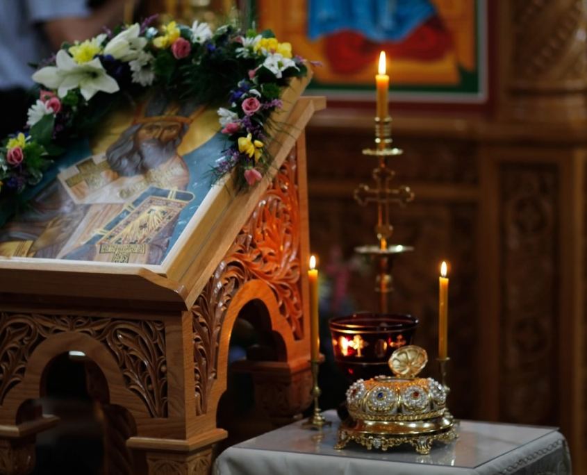 Relic and icon of Saint John (Maximovich) of San Francisco