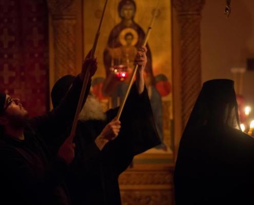 Lighting of the Choros